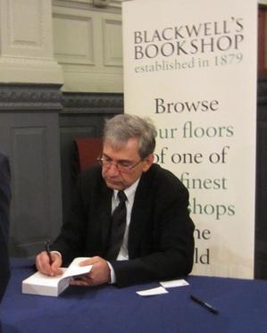 Pamuk signing.JPG