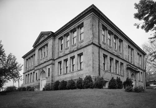 Carnegie_Free_Library,_Connellsville.jpg