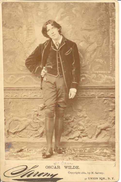 Wilde photograph Sarony.jpg