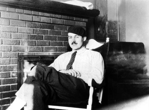 Ernest_Hemingway,_Paris,_1924.jpg