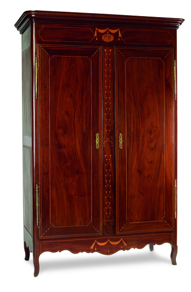http://www.finebooksmagazine.com/fine_books_blog/images/Armoire%2060_formedia.jpg